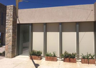 Cortinas exteriores y vela enrollable en Colonia de Sant Pere