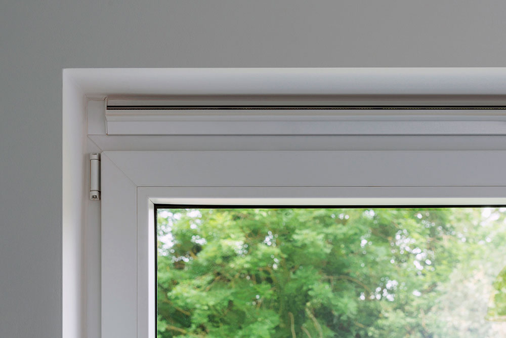 Self-regulating window ventilation