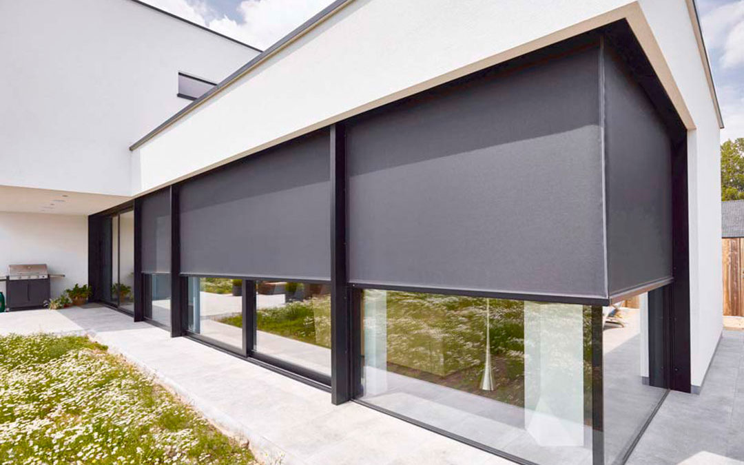 RENSON FIXSCREEN Vertical external blinds with ZIP