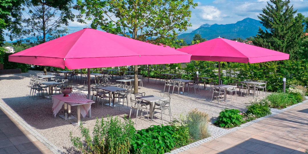 Parasols for hotels, restaurants and cafes