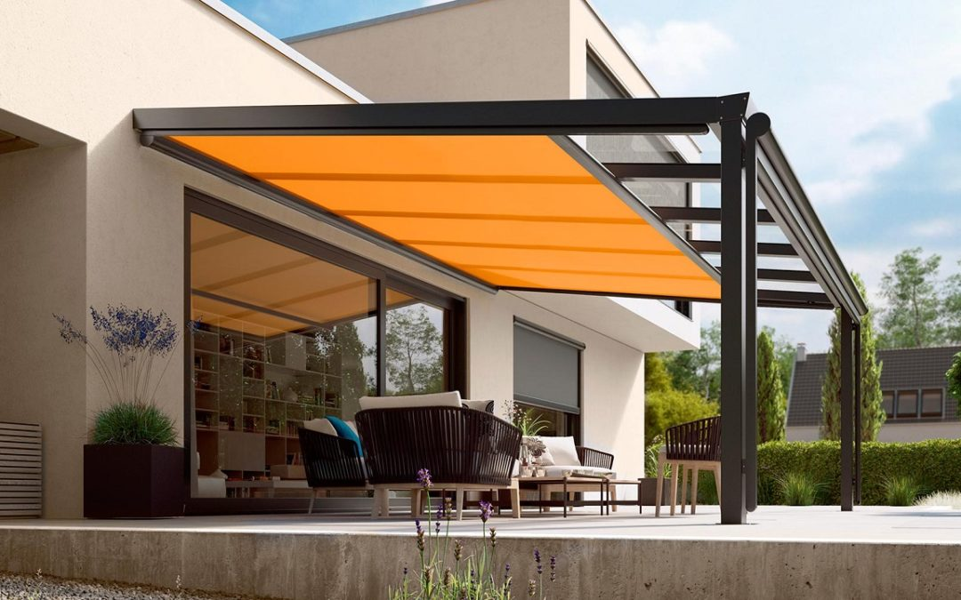 Conservatory awnings with lateral cover guides