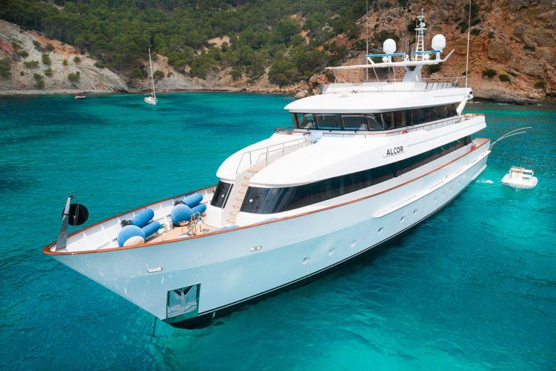 My Alcor toldo yate charter port adriano vista popa
